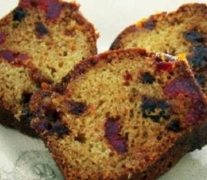 Date & cherry ring cake