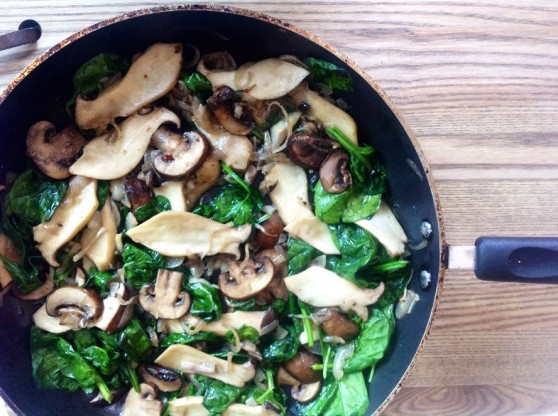 BUTTER SAUTEED OYSTER AND CREMINI MUSHROOMS WITH CARAMELIZED SHALLOTS AND SPINACH