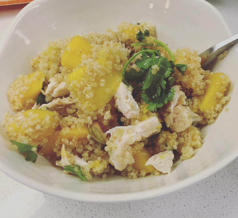 mango-pistachio-quinoa-salad2