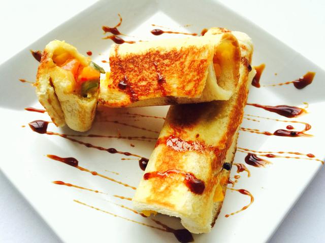 3-pepper-chilli-cheese-bread-rolls