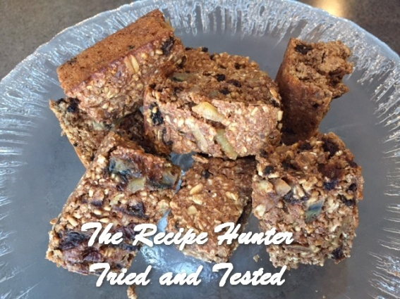 trh-ess-oatmeal-and-dried-fruit-breakfast-bars